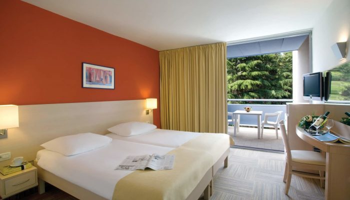 2009-Valamar-Crystal-Hotel-Room-7