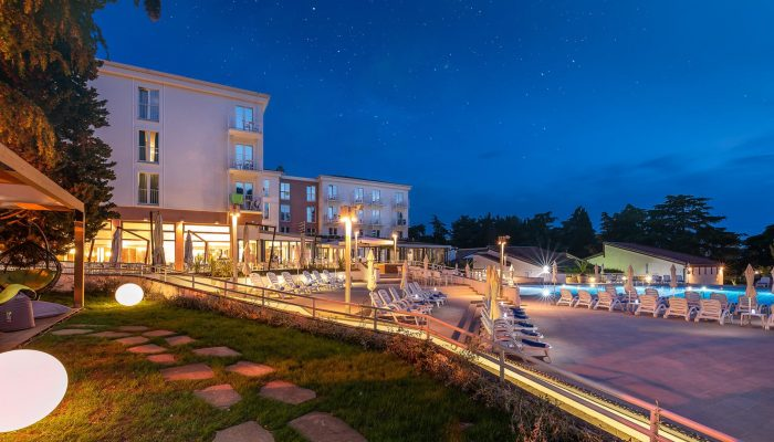 COOEE Pinia Hotel by Valamar_exterior_01