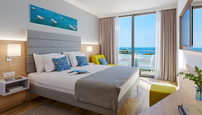 VIZ- Valamar Parentino Hotel_Premium triple room with balcony_seaside_01