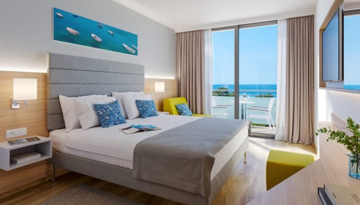 VIZ- Valamar Parentino Hotel_Premium triple room with balcony_seaside_01