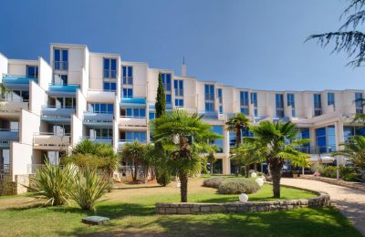 Valamar-Crystal-Hotel_exterior