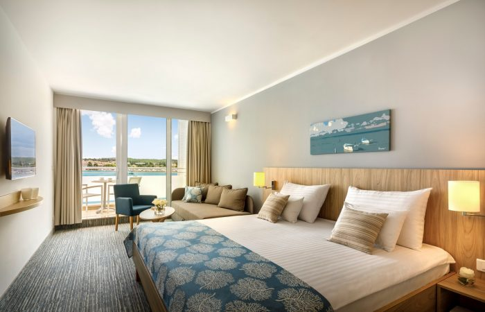 Valamar Isabella Hotel_Standard family room, seaview, balcony_1