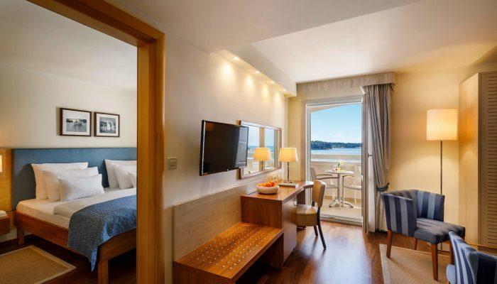 Valamar-Riviera-Hotel_Junior-Suite,-seaview_03